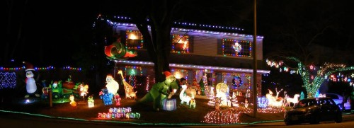Holiday light display could help homeless in Woodbridge