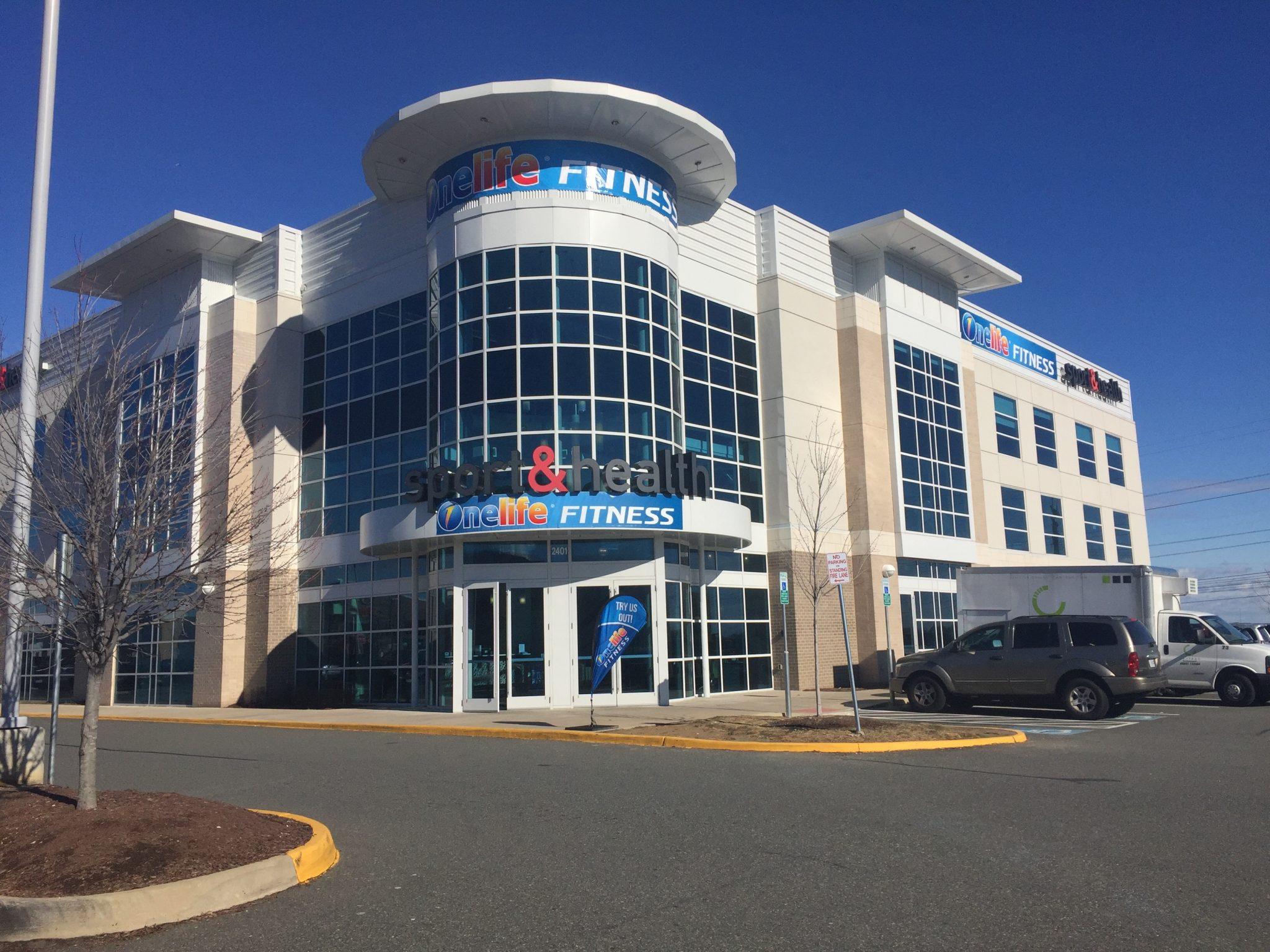 changes at stonebridge onelife fitness opens golfsmith closes