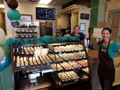 Take a bite: Cravings Cupcakery opens in Lake Ridge