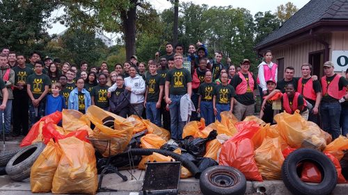 212 volunteers remove two tons of trash from Occoquan River