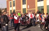 Manassas students thank veterans at bus loop parade
