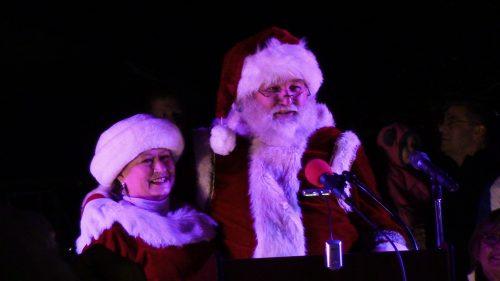 'Santa Lights Manassas' full of festive cheer, holiday spirit
