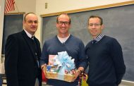 Robert Scott from Osbourn Park named PWCS Teacher of the Year