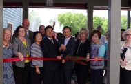 Ribbon cutting ceremony held at Lakeside Cafe and Grill