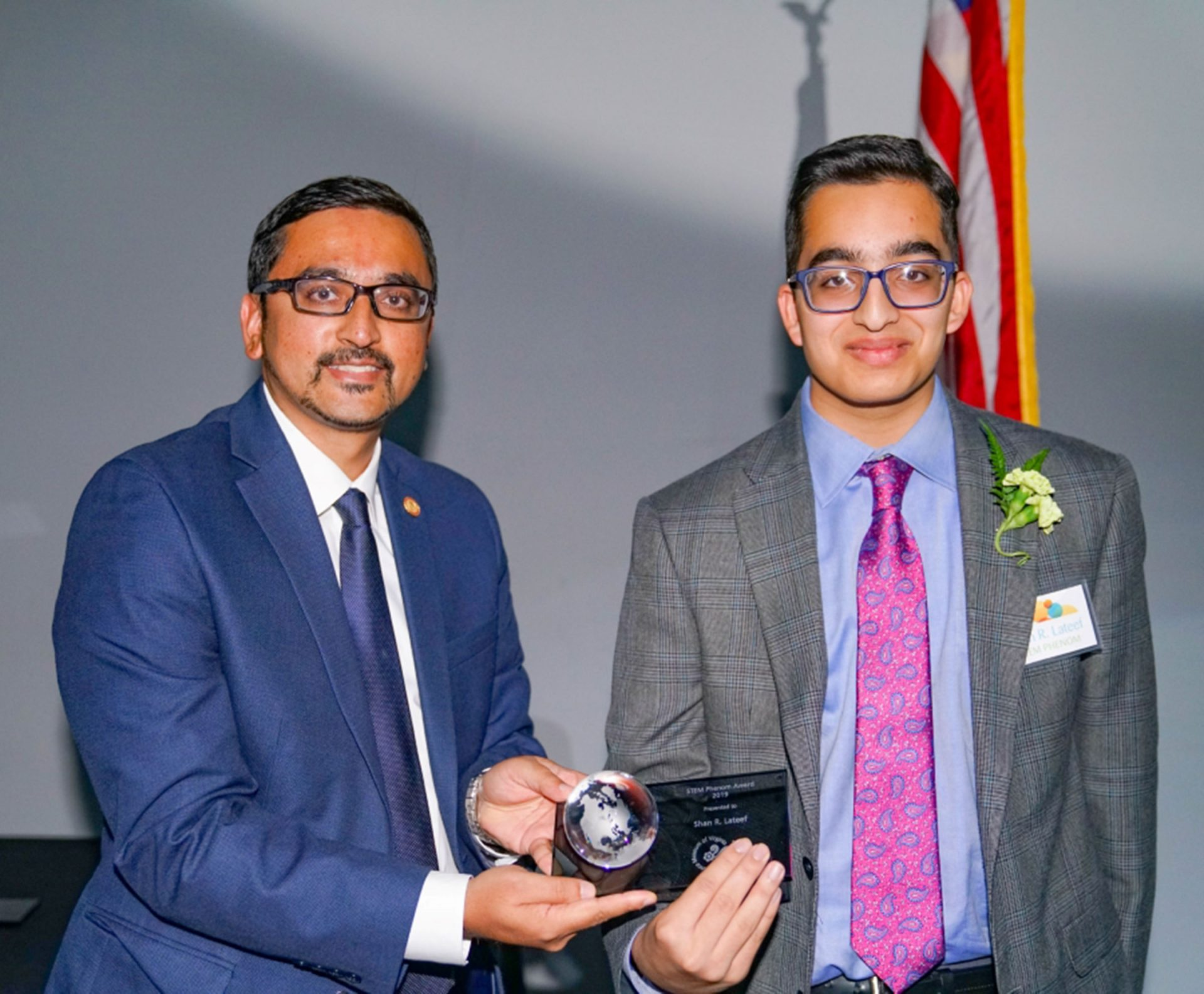 High school junior receives STEM award