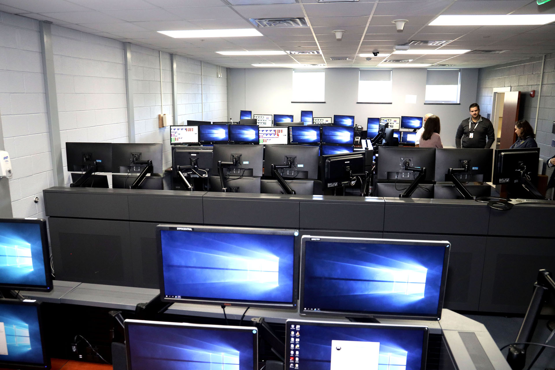 Back-up 911 Call Center opens