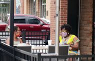 Outdoor seating offered by Northern Virginia establishments