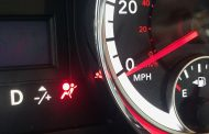 Reasons why an airbag light will turn on
